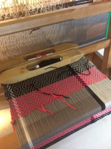 Fiona_Daly_Textiles_4-shaft-table-loom-beginners-weaving-course