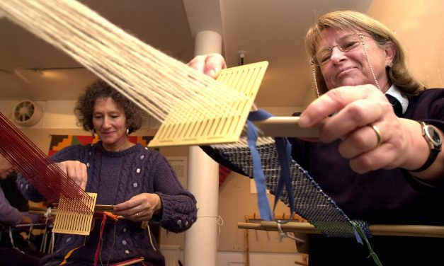 Weaving, pure and simple – with a backstrap Loom – 17  April 2020