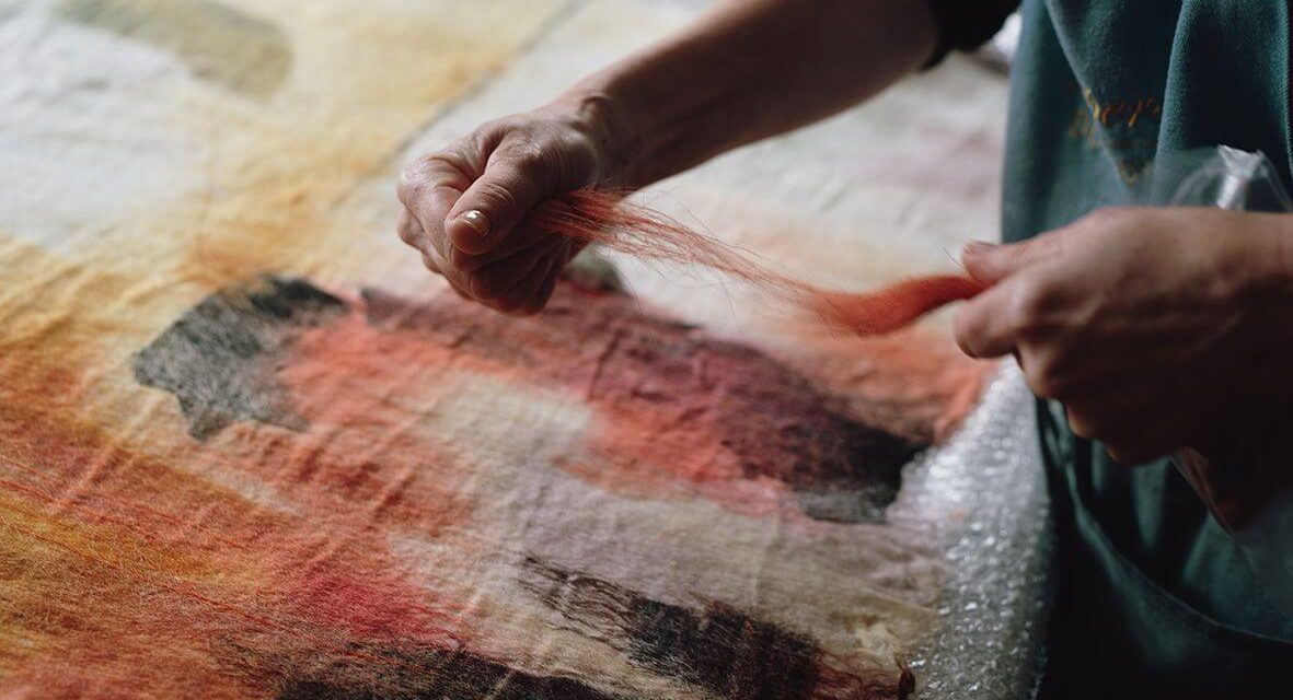 Expressive Mark Making – Wet Felting Workshop 18, 25 April, 9 May 2021 – Valérie Wartelle – Virtual